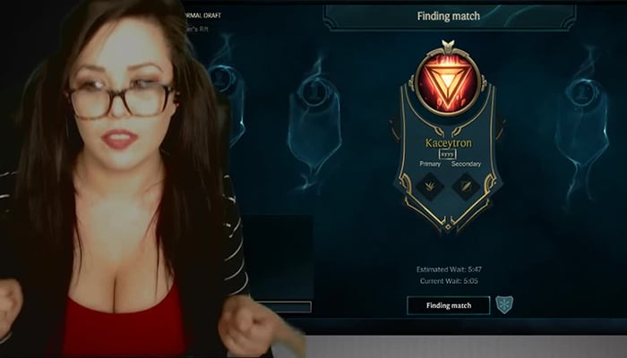 kaceytron highest paid girl gamers on twitch