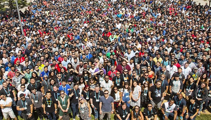 riot games group photo